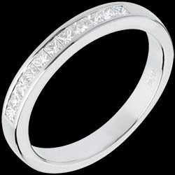 <a href=http://wedding.edenly.com/diamond-wedding-rings-bands/wedding-ring-white-gold-semi-paved-channel-setting,539,1010.html style=color:#fff;text-decoration:none;>Half eternity ring white gold semi-paved channel setting  - 0.31 carat - 11 diamonds <br><b style=color:#FFE492;>� 839</b> (-24%) </a>