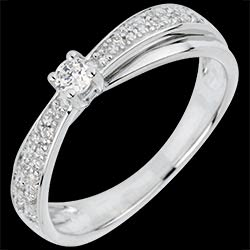 <a href=http://www.edenly.com/solitaires-accompagnes/bague-solitaire-diaphane,3062,4.html style=color:#fff;text-decoration:none;>Bague Solitaire Diaphane - diamant 0.1 carat <br><b style=color:#FFE492;>590 &#x20AC;</b> (-48%) </a>