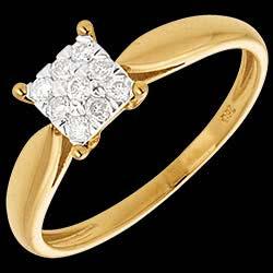 <a href=http://en.edenly.com/jewels/elegance-ring-yellow-gold-square-paved-9diamonds,80.html>El