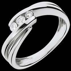 <a href=http://es.edenly.com/joyas/anillo-triologia-riturnelo-oro-blanco-21-quilates-diamantes,1105.html>Anillo Triolog�a riturnelo oro blanco - 0.21 quilates - 3 diamantes <br><span  class='prixf'>690 &#x20AC;</span> (-49%) </a>