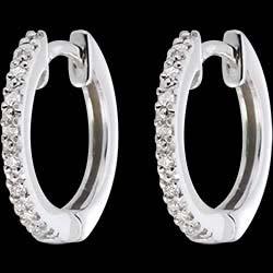 <a href=http://it.edenly.com/gioielli/orecchini-cerchio-semi-pave-oro-bianco-16-diamanti,201.html>Orecchini a cerchio semi pav� oro bianco   - 16 diamanti <br><span class='prixf'>290 &#x20AC;</span> (-41%)</a>