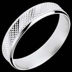 <a href=http://www.edenly.com/bijoux/anneau-loft-or-blanc,1053.html>Anneau Loft or blanc <br><span  class='prixf'>490 &#x20AC;</span> (-40%) </a>