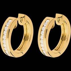 <a href=http://de.edenly.com/schmuck/creolen-gelbgold-033-karat-22-diamanten,335.html>Creolen in Gelbgold - 0.33 Karat - 22 Diamanten <br><span  class='prixf'>750 &#x20AC;</span> (-53%) </a>