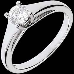 <a href=http://www.edenly.com/bijoux/bague-solitaire-diademe-or-blanc,1141.html>Bague solitaire Diad�me or blanc - 0.47 carat <br><span  class='prixf'>1790 &#x20AC;</span> (-60%) </a>