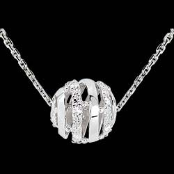 <a href=http://www.edenly.com/collier-moderne/collier-amour-en-cage-or-blanc-11-diamants-9k,1839,16.html style=color:#fff;text-decoration:none;>Collier Amour en Cage or blanc - 11 diamants - 45cm <br><b>450 &#x20AC;</b></a>