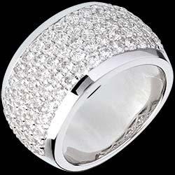 <a href=http://de.edenly.com/schmuck/ring-diorama-weissgold-205-karat-79-diamanten,338.html>Ring Sternbilder - Himmlische Landschaft - Wei�gold - 2.05 Karat - 79 Diamanten <br><span  class='prixf'>3490 &#x20AC;</span> (-41%) </a>