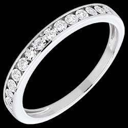 <a href=http://es.edenly.com/joyas/alianza-engastes-magicos-oro-blanco-diamantes,1551.html>Alianza engastes m�gicos oro blanco y diamantes <br><span>490 &#x20AC;</span></a>