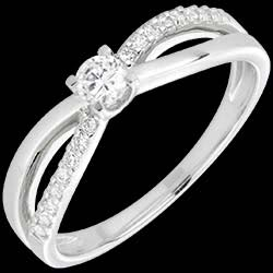 <a href=http://www.edenly.com/solitaires-accompagnes/bague-solitaire-diamant-eternite-or-blanc,1565,4.html?url=bague-fiancaille&liste_cat=2X3X4X5X12 style=color:#fff;text-decoration:none;>bague solitaire diamant �ternit� or blanc - diamant 0.14 carats <br><b style=color:#FFE492;>690 &#x20AC;</b> (-40%) </a>