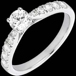 <a href=http://www.edenly.com/bijoux/bague-solitaire-belle-cherie-or-blanc-diamants,1594.html>Bague Solitaire Belle Ch�rie or blanc et diamants - diamant 0.4 carat <br><span  class='prixf'>1490 &#x20AC;</span> (-62%) </a>