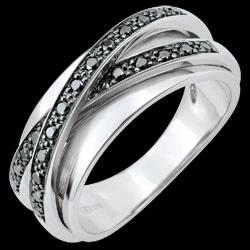 <a href=http://es.edenly.com/joyas/anillo-saturno-bella-diamantes-negros-18-quilates,3477.html>Anillo Saturno Espejo - oro blanco y diamantes negros - 23 diamantes - 18 quilates <br><span  class='prixf'>790 &#x20AC;</span> (-52%) </a>
