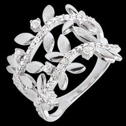 <a href=http://es.edenly.com/joyas/anillo-jardin-encantado-hojarasca-real-doble-oro-b,3545.html>Anillo Jardìn Encantado - Hojarasca Real doble - oro blanco y diamantes - 9 quilates <br><span class='prixf'>490 &#x20AC;</span> (-41%)</a>