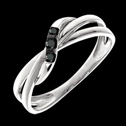 <a href=http://es.edenly.com/joyas/anillo-triologia-aros-diamantes-negros,3212.html>Anillo Triolog�a aros diamantes negros <br><span  class='prixf'>REBAJAS:  210 &#x20AC;</span> (-56%) </a>