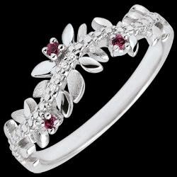 <a href=http://de.edenly.com/schmuck/ring-verzauberter-garten-konigliches-blattwerk-wei,3494.html>Ring Verzauberter Garten - K�nigliches Blattwerk - Wei�gold, Diamanten und Rhodolite - 18 Karat <br><span class='prixf'>360 &#x20AC;</span> (-42%)</a>