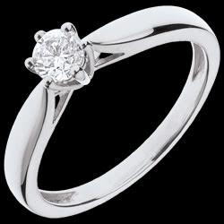 <a href=http://www.edenly.com/bijoux/solitaire-roseau-or-blanc,3620.html>Bague Solitaire Roseau 6 griffes - or blanc - 0.3 carat <br><span  class='prixf'>SOLDES:  740 &#x20AC;</span> (-60%) </a>