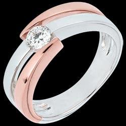 <a href=http://it.edenly.com/gioielli/anello-solitario-rosa-del-deserto-25-carati-oro-18-carati,2163.html>Anello solitario Nido Prezioso - Rosa del deserto  - oro rosa ed oro bianco - 0.25 carati - 18 carati <br><span class='prixf'>1290 &#x20AC;</span> (-48%)</a>