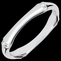 <a href=http://nl.edenly.com/juwelen/trouwring-gewijde-jungle-meerdere-diamanten-3-mm-w,3734.html><span class='nom-prod-slide'>Trouwring Gewijde Jungle - Meerdere diamanten 3 mm - witgoud 18 karaat</span> <br><span class='prixf'>490 &#x20AC;</span> (-40%)</a>