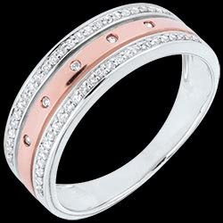 <a href=http://www.edenly.com/bijoux/ap2170-anneau-enigma-or-rose-or-blanc,2170.html>Anneau F��rie - Couronne d'�toiles - grand mod�le - or rose, or blanc - 18 carats <br><span  class='prixf'>690 &#x20AC;</span> (-46%) </a>