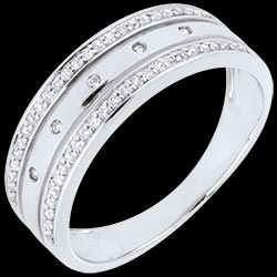 <a href=http://en.edenly.com/rings-large/ring-enigma-white-gold,2171,8.html style=color:#fff;text-decoration:none;>Ring Enigma  - White gold <br><b style=color:#FFE492;>� 559</b> (-30%) </a>