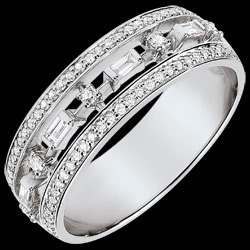 <a href=http://www.edenly.com/bijoux/bague-destinee-petite-imperatrice-68-diamants-or-b,3746.html>Bague Destin�e - Petite Imp�ratrice - 68 diamants - or blanc 18 carats <br><span class='prixf'>990 &#x20AC;</span> (-46%)</a>