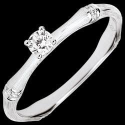 <a href=http://nl.edenly.com/juwelen/verlovingsring-gewijde-jungle-diamant-0-09-karaat-,3792.html><span class='nom-prod-slide'>Verlovingsring Gewijde Jungle - diamant 0.09 karaat - geborsteld witgoud 18 karaat</span> <br><span class='prixf'>590 &#x20AC;</span> (-32%)</a>