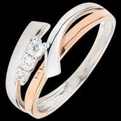 <a href=http://de.edenly.com/schmuck/bague-trilogie-orea,1766.html>Verlobungsring Kostbarer Kokon - Trilogie Variation - Ros�- und Wei�gold - 3 Diamanten - 9 Karat <br><span class='prixf'>360 &#x20AC;</span> (-41%)</a>