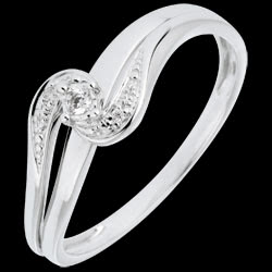 <a href=http://en.edenly.com/jewels/diamond-set-shoulders-ring-sophie-white-gold-and-d,693.html>Diamond Set Shoulders Ring Sophie  - White gold and diamond <br><span  class='prixf'>� 159</span> (-32%) </a>