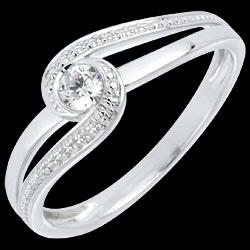 <a href=http://es.edenly.com/joyas/anillo-preciosa-solitario-diamante,635.html>Anillo Preciosa Solitario diamante <br><span  class='prixf'>490 &#x20AC;</span> (-50%) </a>