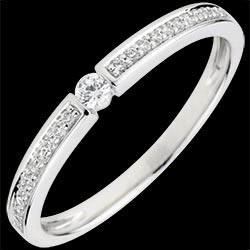 anello di fidanzamento solitario