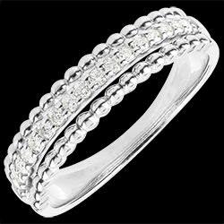 <a href=http://www.edenly.com/bijoux/bague-bella-caviar-or-blanc,1444.html>Bague Fleur de Sel - deux anneaux - or blanc - 18 carats <br><span  class='prixf'>620 &#x20AC;</span> (-55%) </a>