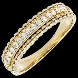 <a href=http://www.edenly.com/bijoux/bague-bella-cqviqr-or-jaune,1439.html>Bague Fleur de Sel - deux anneaux - or jaune - 18 carats <br><span class='prixf'>640 &#x20AC;</span> (-53%)</a>