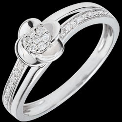 <a href=http://de.edenly.com/schmuck/ring-bluttenblatter-von-der-rose-08-karat,2704.html>Ring Bl�te - Rosenbl�ten - 0.075 Karat - 18 Karat <br><span  class='prixf'>SALE:  340 &#x20AC;</span> (-47%) </a>