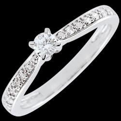 <a href=http://www.edenly.com/bijoux/bague-solitaire-garlane-griffes-10-carat,2682.html>Bague solitaire Garlane 4 griffes - 0.10 carat <br><span  class='prixf'>550 &#x20AC;</span> (-52%) </a>