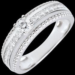 <a href=http://www.edenly.com/bijoux/bague-solitaire-caviar-merveilleux-18-carat,2721.html>Bague Solitaire - Fleur de Sel - deux anneaux - 0.18 carat <br><span  class='prixf'>990 &#x20AC;</span> (-47%) </a>