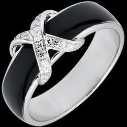 <a href=http://de.edenly.com/schmuck/ring-kreuz-der-liebe-schwarzer-lack-und-diamanten,2761.html>Ring D�mmerschein - Kreuzung schwarzer Lack und Diamanten <br><span  class='prixf'>270 &#x20AC;</span> (-40%)