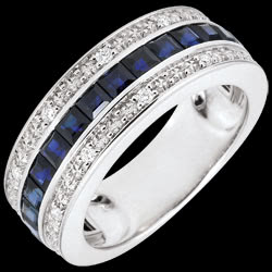 <a href=http://www.edenly.com/bijoux/bague-or-blanc-yvana-saphirs-bleus-diamants,2871.html><span class='nom-prod-slide'>Bague Constellation - Zodiaque - saphirs bleus et diamants</span> <br><span class='prixf'>590 &#x20AC;</span> (-44%)</a>