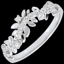 <a href=http://en.edenly.com/jewels/ring-enchanted-garden-foliage-royal-diamond-white-gold-18-carat,2866.html>Ring Enchanted Garden - Foliage Royal - Diamond and white gold - 18 carat <br><span  class='prixf'>� 319</span> (-40%) </a>