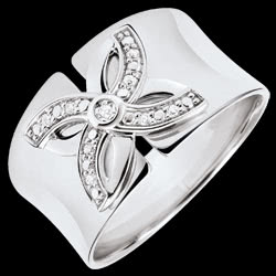 <a href=http://www.edenly.com/bijoux/bague-eclosion-lys-ete-or-blanc-diamants,3233.html>Bague Eclosion - Lys d'�t� - or blanc et diamants <br><span  class='prixf'>380 &#x20AC;</span> (-38%) </a>